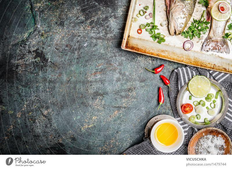 Fisch Kochen Hintergrund mit Zutaten Lebensmittel Gemüse Kräuter & Gewürze Öl Ernährung Mittagessen Festessen Bioprodukte Vegetarische Ernährung Diät Teller