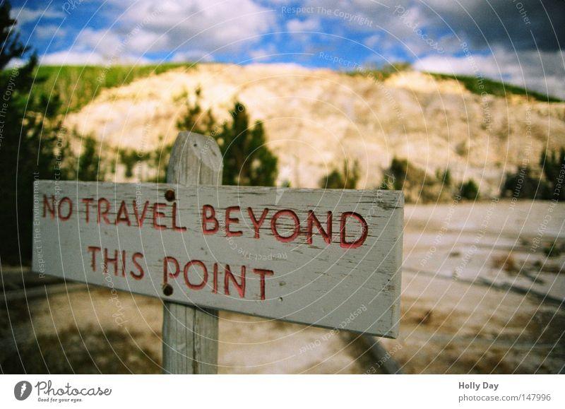Bis hierher und nicht weiter... Himmel Sommer Ferien & Urlaub & Reisen Wolken Berge u. Gebirge Hintergrundbild Schilder & Markierungen Sicherheit USA