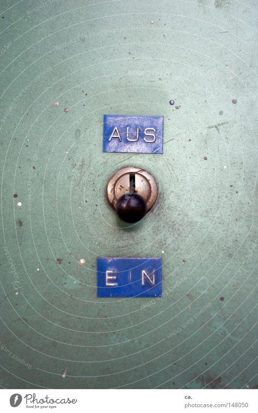 switch Schalter schalten aktivieren ausschalten Ein-Aus-Schalter Hebel Automat Maschine Metall grün Technik & Technologie Automatisierung bescheiden veraltet