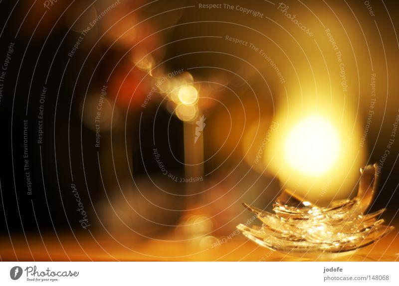 es war... schön Farbe Wärme Beleuchtung Holz Feste & Feiern Lampe Stimmung glänzend Dekoration & Verzierung Glas Glas Tisch gefährlich Ecke Romantik