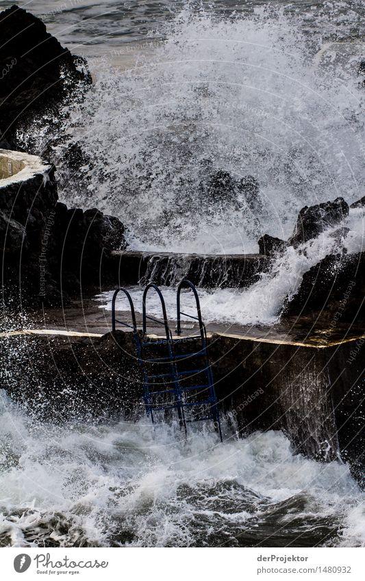 Erfrischendes Badewetter im Freibad Wassersport Schwimmen & Baden Umwelt schlechtes Wetter Unwetter Wind Sturm Wellen Küste Seeufer Strand Bucht Meer Insel