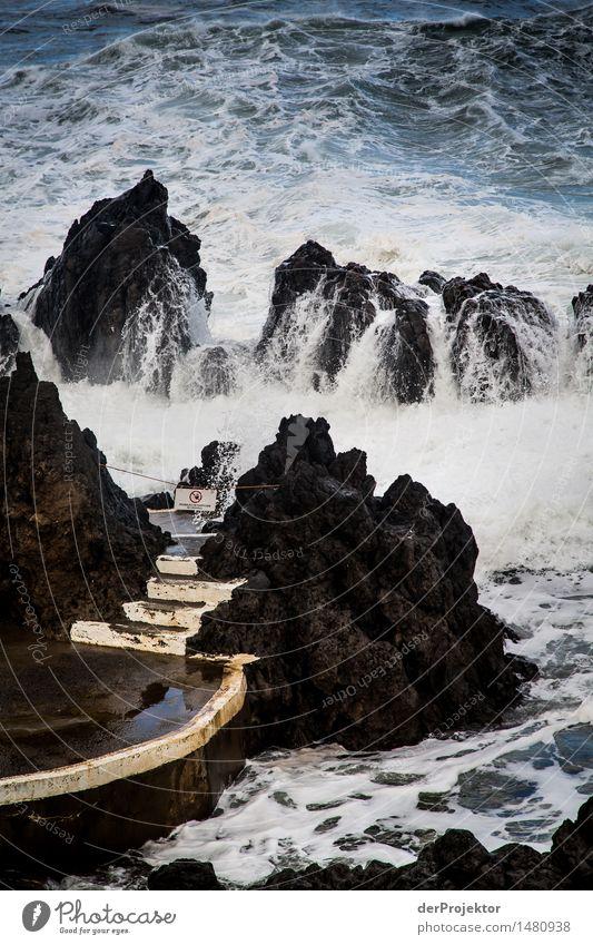 Treppe zum erfrischenden Seebad Natur Pflanze Meer Landschaft Winter Umwelt Gefühle Küste Felsen Angst Wellen Insel Seeufer Schwimmbad Wahrzeichen