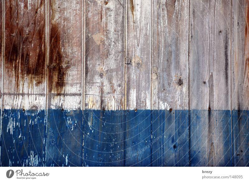 Vom Fenster meines Hauses aus... Holz Wand Plakatwand Zaun Holzbrett Detailaufnahme Farbe blau