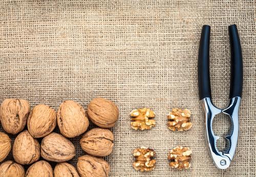 Walnüsse Nussknacker Lebensmittel Frucht Walnuss Essen Bioprodukte Vegetarische Ernährung Diät Vegane Ernährung Schalen & Schüsseln Gesundheit Gesunde Ernährung