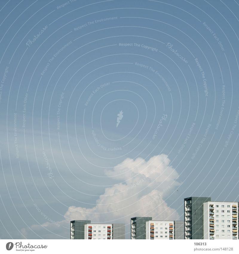 URBAN[IC] DREAMS ALL NIGHT LONG Ferne Häusliches Leben Wohnung Haus Himmel Wolken Stadt Stadtzentrum Hochhaus Bauwerk Gebäude Architektur Mauer Wand Fassade