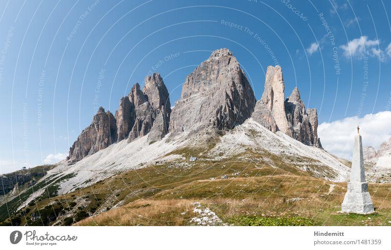 Drei Zinnen Umwelt Natur Landschaft Pflanze Erde Himmel Wolken Sommer Schönes Wetter Gras Felsen Alpen Berge u. Gebirge Dolomiten Gipfel Denkmal Kriegerdenkmal
