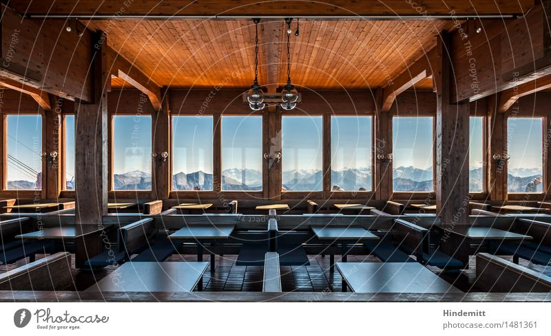 Gespenstisch – Richtung Südwest Tourismus Schnee Winterurlaub Haus Innenarchitektur Möbel Tisch Restaurant Himmel Wolkenloser Himmel Felsen Alpen