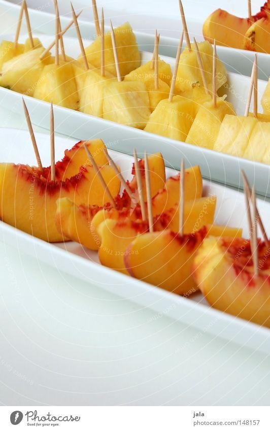 fruchtbar Frucht Pfirsich Ananas Teile u. Stücke Vitamin Gesundheit Wellness Schalen & Schüsseln Porzellan Geschirr weiß Sauberkeit Zahnstocher Versuch