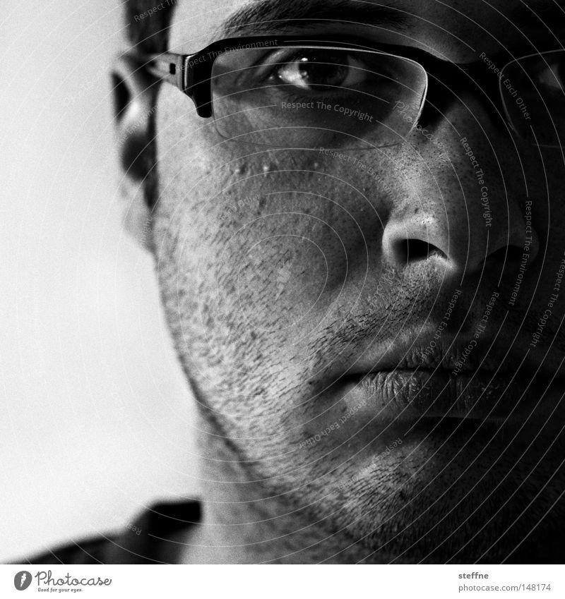 350 blicke Mann Brille Typ Selbstportrait Dreitagebart unrasiert
