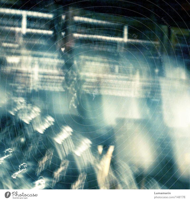 oblivion Einsamkeit leer Platz Stuhl Vergänglichkeit verfallen Möbel Zaun durchsichtig Geländer Barriere Sitzgelegenheit Schweben Sitzreihe vergessen Stadion