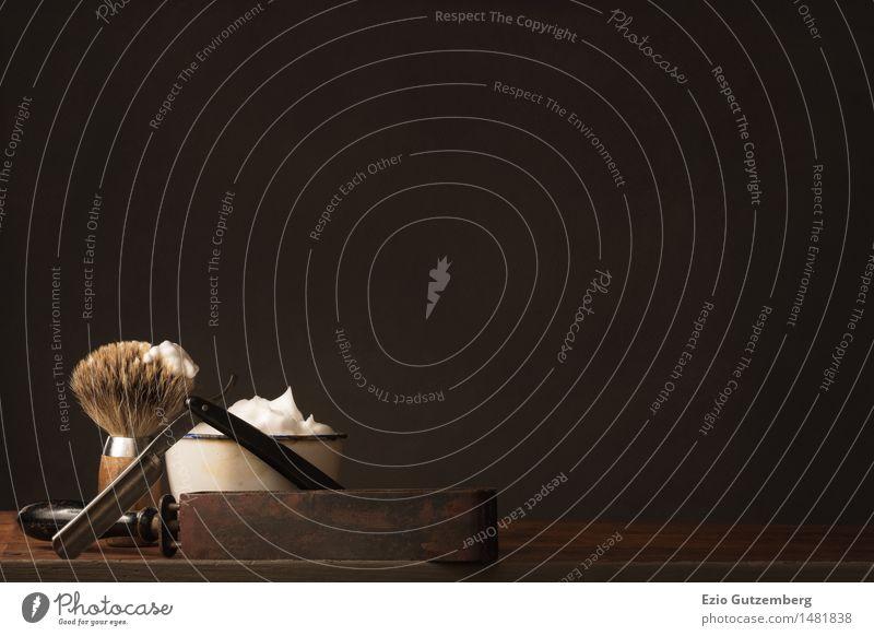Rasierzeug auf einem Holztisch schön Körperpflege Haare & Frisuren Gesicht Friseur Mittelstand Bart Oberlippenbart Dreitagebart Vollbart Behaarung