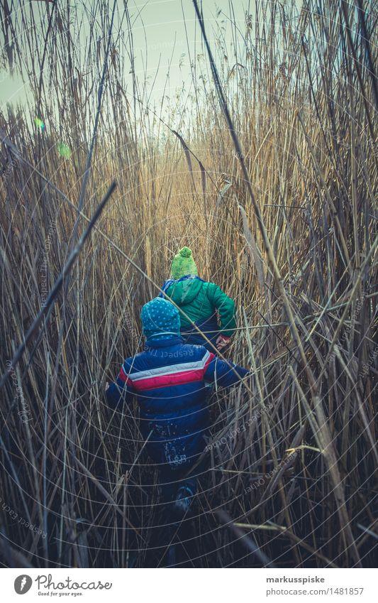 kinder abenteuer Mensch Kind Junge Spielen Familie & Verwandtschaft Garten Schule Arbeit & Erwerbstätigkeit Tourismus Freizeit & Hobby Körper wandern Kindheit Ausflug Abenteuer Bildung