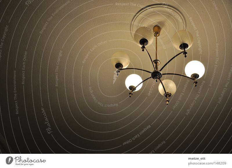 alte Lampe Deckenlampe Haus Wohnung Raum Licht Leuchter Glühbirne glühen Dekoration & Verzierung Wohnzimmer