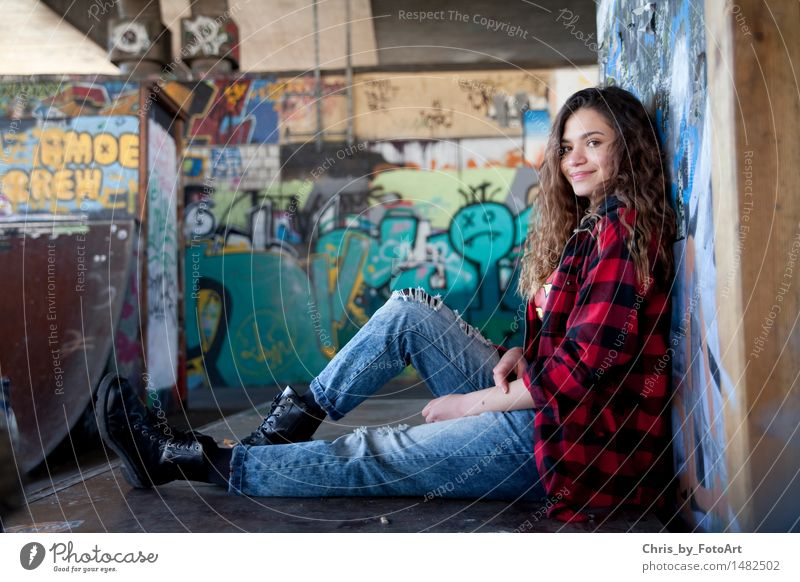 chris_by_fotoart Mensch Frau Jugendliche schön Junge Frau Freude Erwachsene feminin Zufriedenheit 13-18 Jahre sitzen Fröhlichkeit Lächeln Coolness