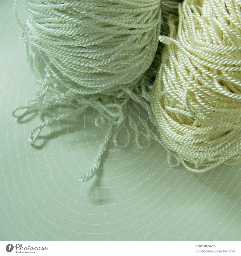 Kordelig und verschlungen Dekoration & Verzierung Handwerk durcheinander Nähgarn Wolle Schlaufe gedreht Knäuel Handarbeit geflochten Produktfotografie