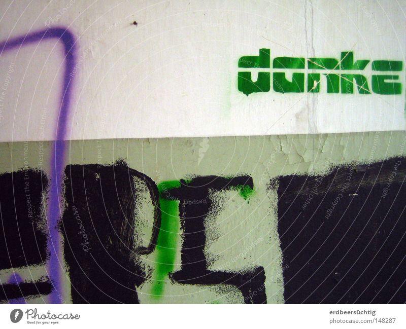 Danke grün ruhig schwarz Wand Gebäude Graffiti Industrie Kommunizieren Schriftzeichen Buchstaben Vergänglichkeit verfallen Verfall Gemälde schäbig Örtlichkeit