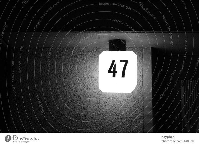 47 Hausnummer Nacht Tür Ziffern & Zahlen Detailaufnahme Zürich Architektur