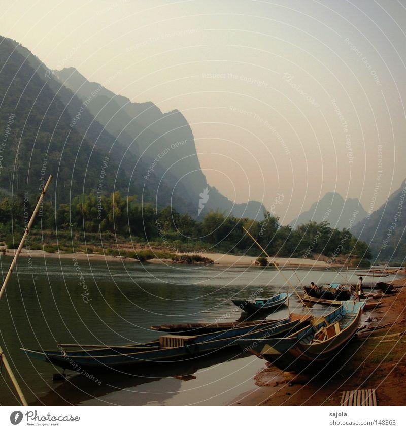idylle am mekong Wasser Himmel Baum Ferien & Urlaub & Reisen Ferne Leben Berge u. Gebirge träumen Landschaft Wasserfahrzeug Stimmung rosa