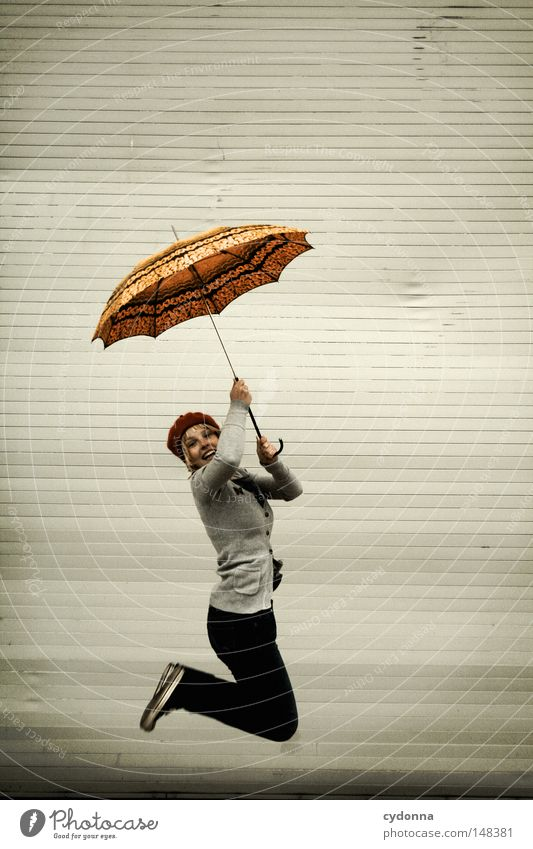 Abwind Frau Mensch schön Freude Einsamkeit Leben Spielen Gefühle springen Stil lustig Freizeit & Hobby Zeit fliegen ästhetisch Bekleidung
