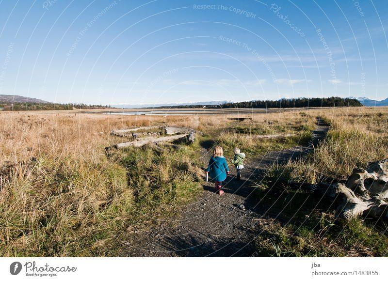 auf Entdeckungstour - Alaska 17 Leben Ferien & Urlaub & Reisen wandern Kindererziehung feminin 2 Mensch 1-3 Jahre Kleinkind Landschaft Herbst Schönes Wetter