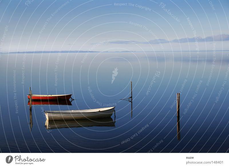 Zweisam Erholung ruhig Ferien & Urlaub & Reisen Meer Himmel Wasserfahrzeug kalt blau Sehnsucht Einsamkeit Frieden rein Zukunft 2 leer Klarheit Dänemark Glätte