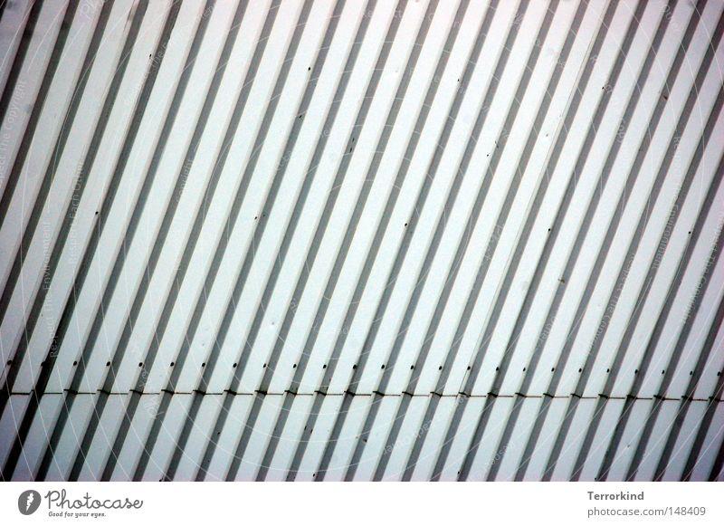 [H08.2] Von.Punkten.und.strichen. alt weiß Haus schwarz Einsamkeit Wand Gebäude Linie gehen Industrie Streifen verfallen Ruine Reifen Fleck