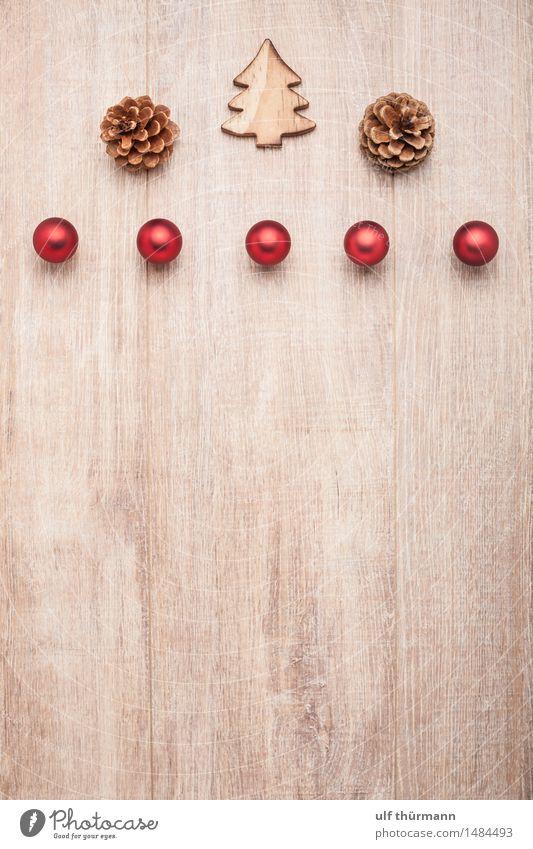 Weihnachten Hintergrund harmonisch Erholung ruhig Winter Wohnung Dekoration & Verzierung Tisch Feste & Feiern Weihnachtsdekoration Zapfen Christbaumkugel Holz