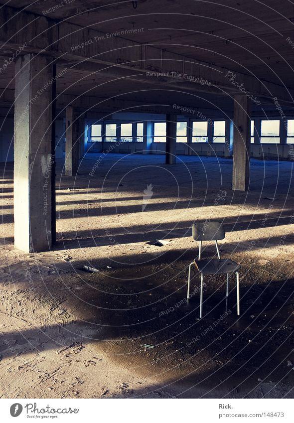.Vergessen blau alt weiß Einsamkeit schwarz gelb Fenster Tod Wärme Architektur Mauer Stein Gebäude Metall Linie Beleuchtung