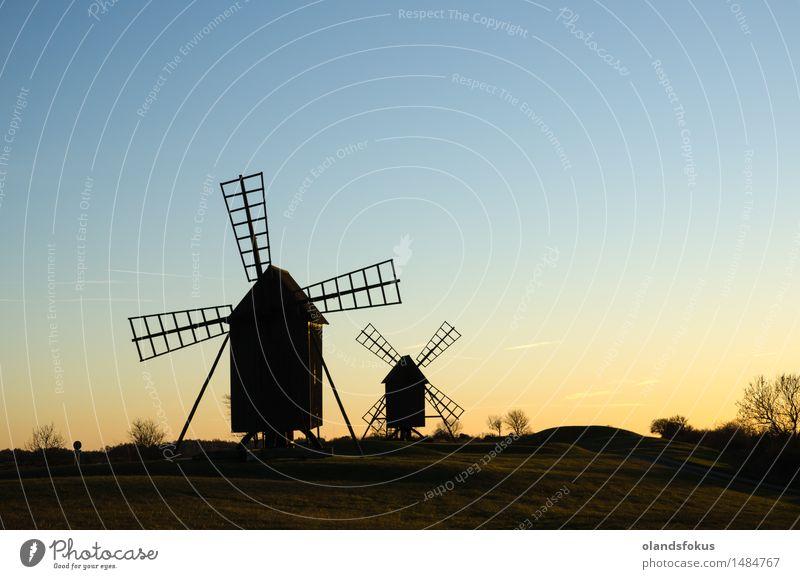 Alte traditionelle Windmühlen Ferien & Urlaub & Reisen Tourismus Technik & Technologie Landschaft Himmel Architektur alt historisch Tradition Ackerbau Europa