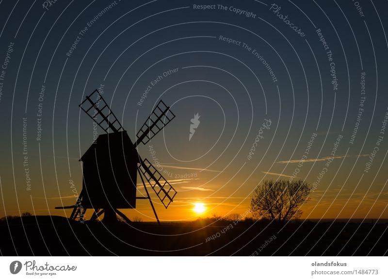 Sonnenuntergang durch eine alte Windmühle Ferien & Urlaub & Reisen Tourismus Technik & Technologie Landschaft Architektur historisch Tradition Ackerbau Europa