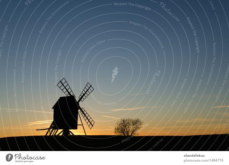Altes Windmühlenschattenbild in der Dämmerung Ferien & Urlaub & Reisen Tourismus Technik & Technologie Landschaft Himmel Architektur alt historisch Sauberkeit