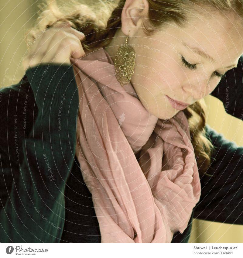 Tochter Jerusalems schön Haare & Frisuren feminin Frau Erwachsene Auge Ohr Nase Mund Mode Schmuck Ohrringe Gold elegant Hochmut eitel Wunsch Stolz Kreole Hals