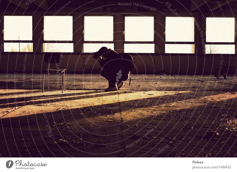 Spüren Fotograf Fotografieren Konzentration Reporter Erholung ruhig Fotokamera retro Licht Sonnenlicht Beleuchtung Abendsonne Physik Sommer Herbst
