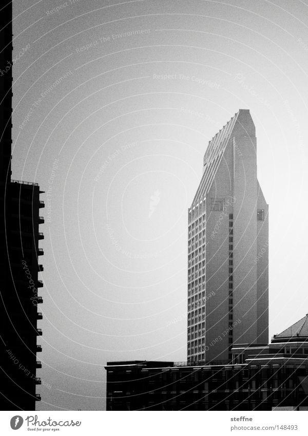 wohnen 2.0 Gesellschaft (Soziologie) Stadt Silhouette Hochhaus USA Amerika San Diego County Neubau trist wohnlich Gefühlskälte Wohnsiedlung grau