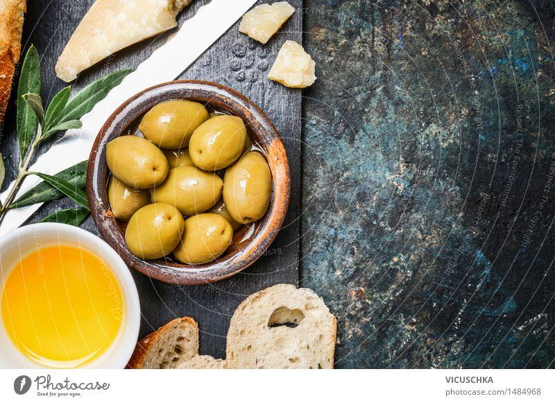 Oliven mit Käse, Öl und Ciabatta Lebensmittel Gemüse Brot Kräuter & Gewürze Ernährung Mittagessen Büffet Brunch Bioprodukte Vegetarische Ernährung Diät