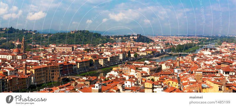 Der Ausblick auf die Dächer von Florenz und den Arno Tourismus Sightseeing Städtereise Wasser Fluss Stadt Altstadt Brücke Bauwerk Architektur Sehenswürdigkeit