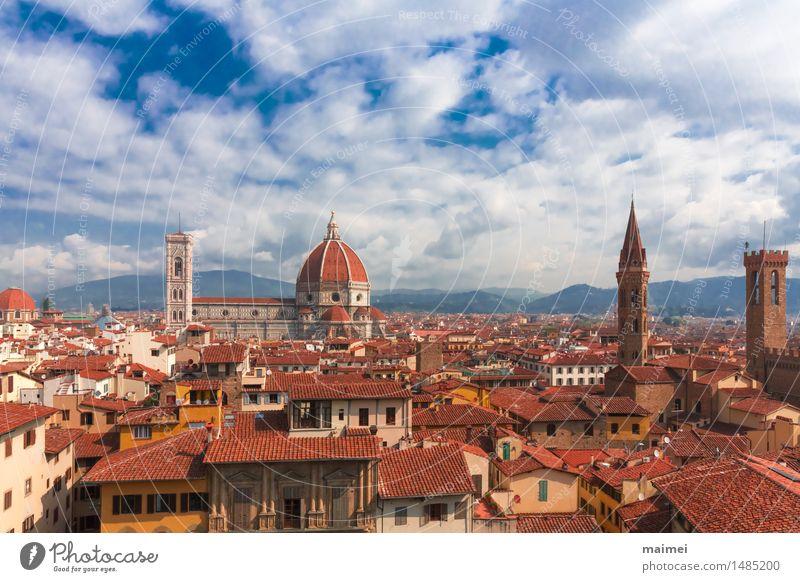 Der Ausblick auf die Dächer von Florenz mit der Kathedrale Tourismus Sightseeing Städtereise Stadt Altstadt Kirche Dom Bauwerk Gebäude Architektur Dach
