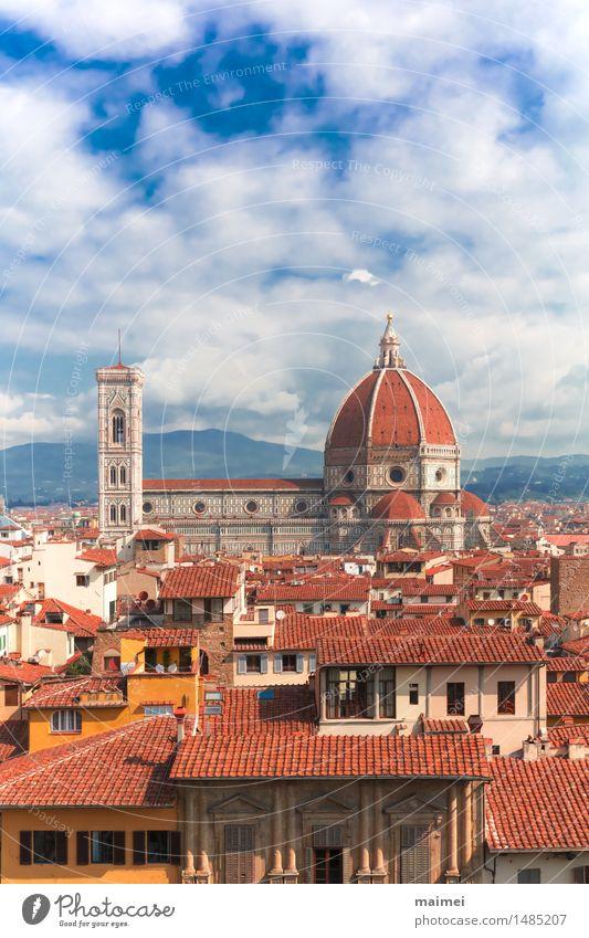 Kathedrale und Dächer von Florenz Tourismus Sightseeing Städtereise Stadt Stadtzentrum Altstadt Kirche Dom Bauwerk Architektur Sehenswürdigkeit Wahrzeichen alt