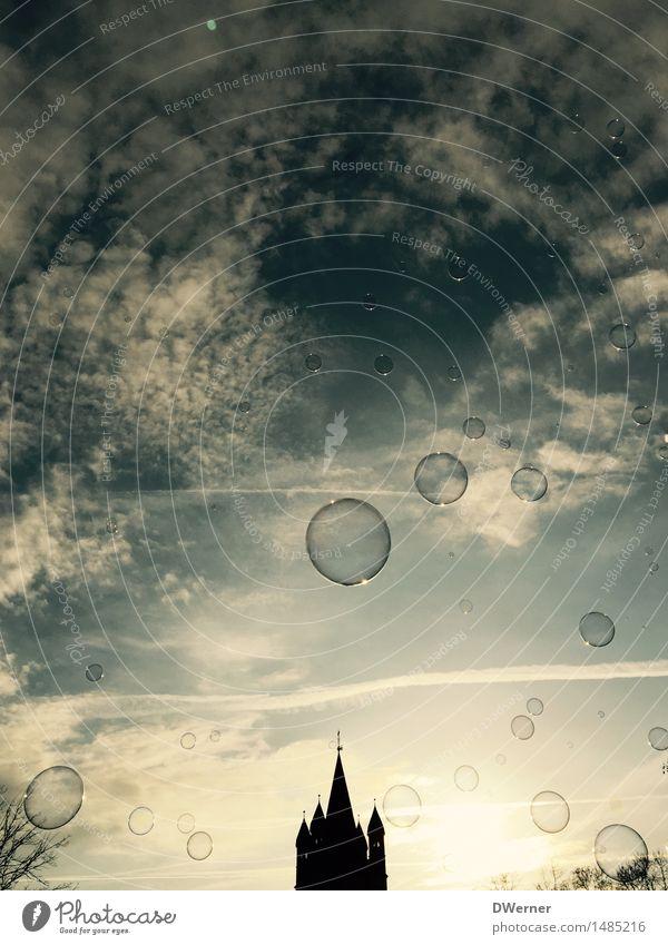 Seifenblasen über Köln Himmel Stadt blau Sonne Haus Freude Umwelt Architektur Bewegung Stil Spielen Glück fliegen Horizont glänzend Tourismus