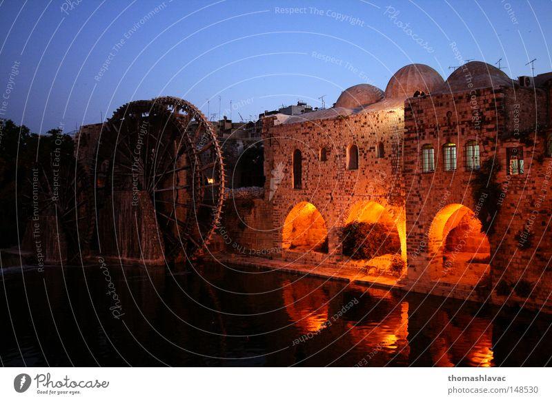 alt Fluss Naher und Mittlerer Osten Asien Nachthimmel historisch Bach antik Produktion Syrien Bewässerung Wasserrad