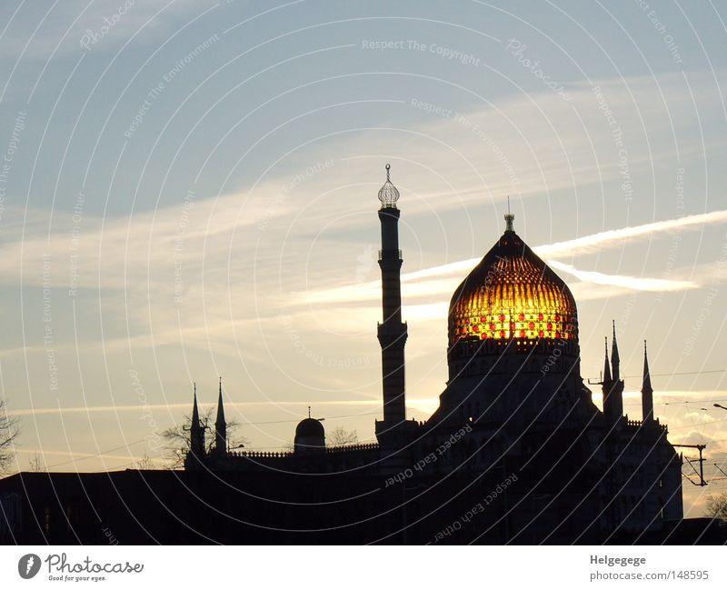 Yenidze in Dresden Nacht Industrie Märchen Türkei Islam Kuppeldach Bürogebäude Zigarettenmarke Moschee Gotteshäuser 1001
