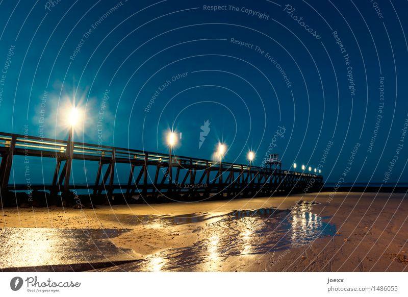 BrExit Himmel alt blau Strand schwarz Küste braun nass Steg Nachthimmel schlechtes Wetter