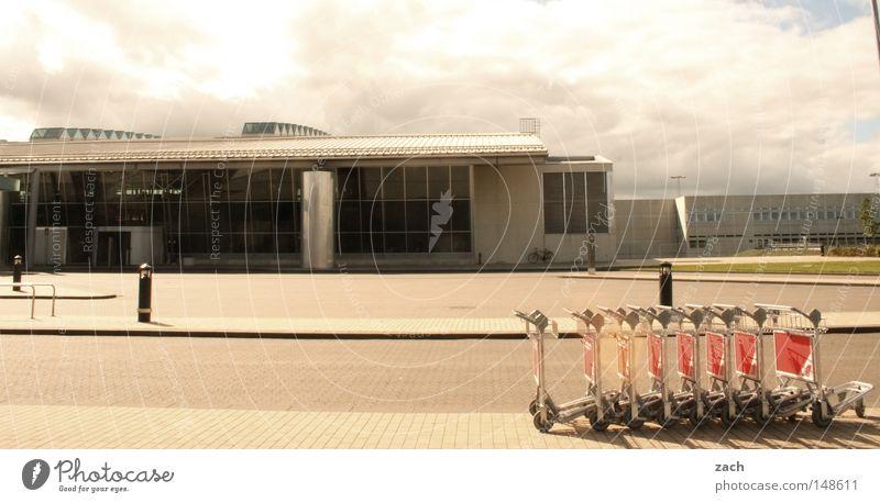 Airport Ferien & Urlaub & Reisen warten Flugzeug modern Luftverkehr Flughafen Ankunft Gepäck Schaltpult