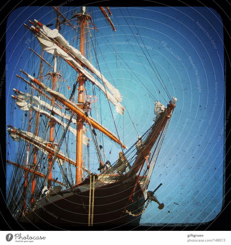 fertig zum landgang? Ferien & Urlaub & Reisen Meer Wasserfahrzeug Seil Hafen Schifffahrt Segeln Strommast Segelboot Jacht Kreuzfahrt Schiffsbug Seemann
