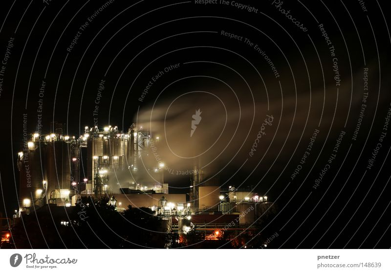 Industrie bei Nacht Langzeitbelichtung Belichtung HDR Rauch Schleier Licht Lampe Schwerindustrie Fabrik Produktion Schichtarbeit Arbeit & Erwerbstätigkeit high