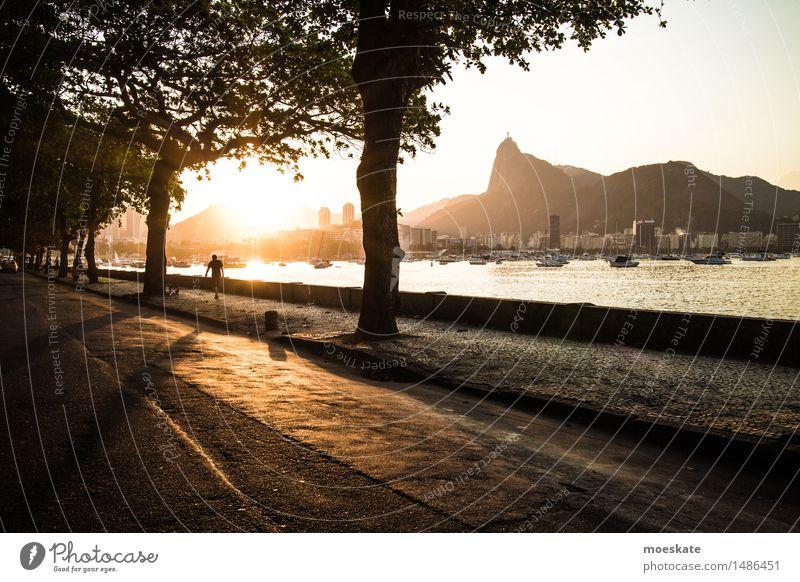 Rio De Janeiro Stadt gold Rio de Janeiro Corcovado-Botafogo Bucht Brasilien Farbfoto Gedeckte Farben Außenaufnahme Textfreiraum rechts Textfreiraum unten Abend
