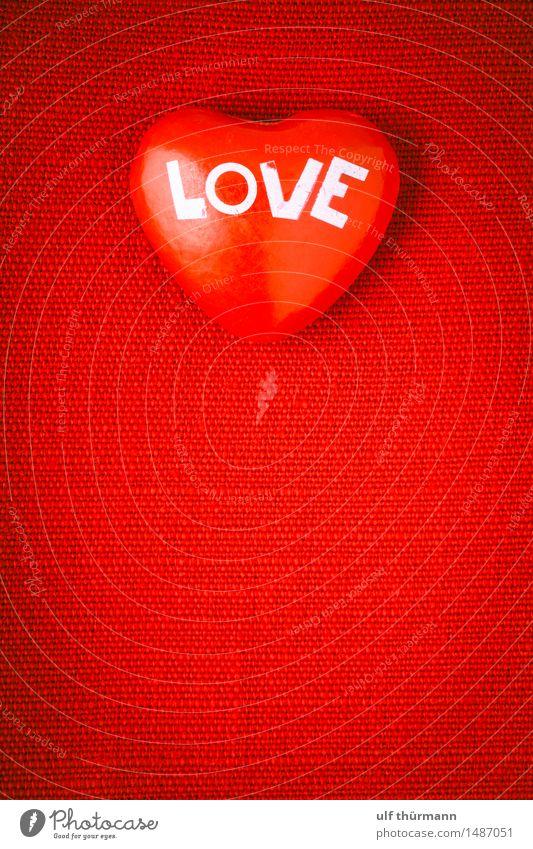 Herz Liebe Valentinstag Zeichen Gefühle Freude Vertrauen Sympathie Freundschaft Zusammensein Verliebtheit Treue Romantik Partnerschaft Farbfoto Innenaufnahme