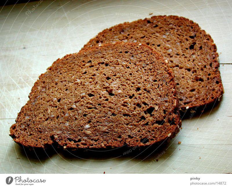 Brot statt Böller Schwarzbrot Belegtes Brot Lebensmittel Gesundheit Haarschnitt Bemme Fensterscheibe Appetit & Hunger Ernährung