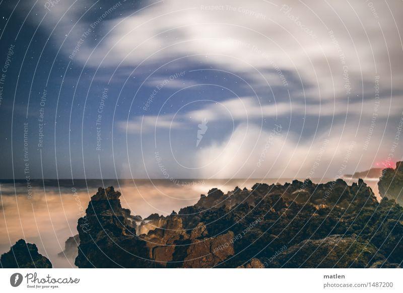 Gischt Landschaft Wasser Himmel Wolken Nachthimmel Horizont Wetter Wind Sturm Felsen Wellen Küste Riff Meer dunkel wild blau braun rot weiß Licht Sternenhimmel