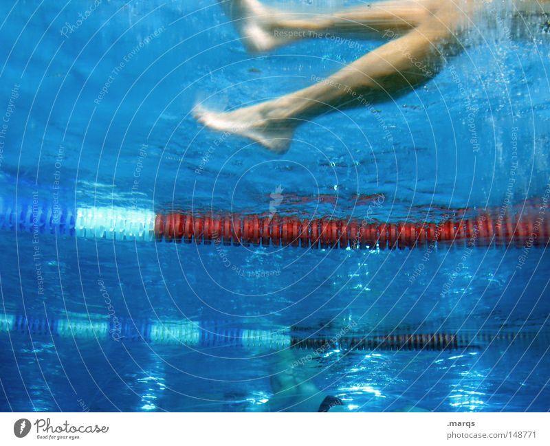 Beinarbeit Mensch Wasser weiß blau rot Freude Leben Sport Spielen Beine Fuß Gesundheit nass Seil Freizeit & Hobby Schwimmen & Baden